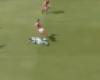 Escandaloso gol tras un clamoroso fallo arbitral