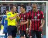 El cachete del árbitro de la Bundesliga a un jugador protestón