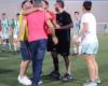 La increíble reacción de un árbitro después de ser agredido por un juvenil