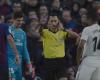 Así fue el diálogo del árbitro con el VAR en el penalti de Varane