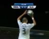 Pepe toca por segunda vez el balón en un saque de banda