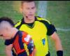 ¿Puede ser expulsión darle la mano al árbitro?