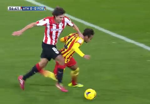 Falta de Iturraspe a Neymar: ¿Amarilla o roja?