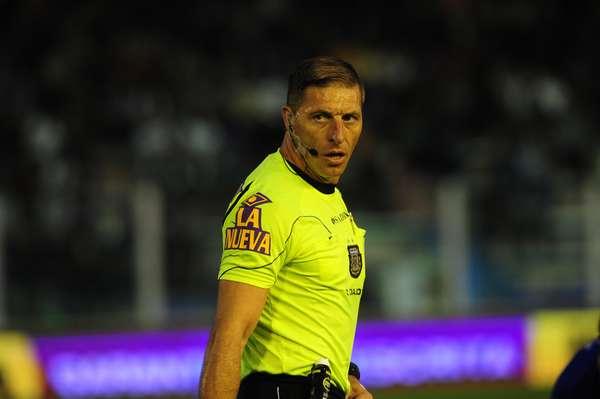 Pitana y Vigliano dirigirán los partidos que deciden el campeonato argentino