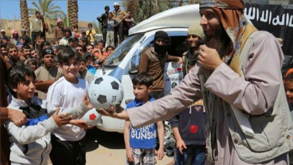 El Estado Islámico prohíbe los árbitros y la Reglas de la FIFA