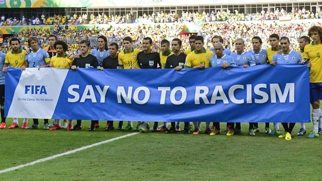 Identificadas 17 personas por insultos racistas a un árbitro