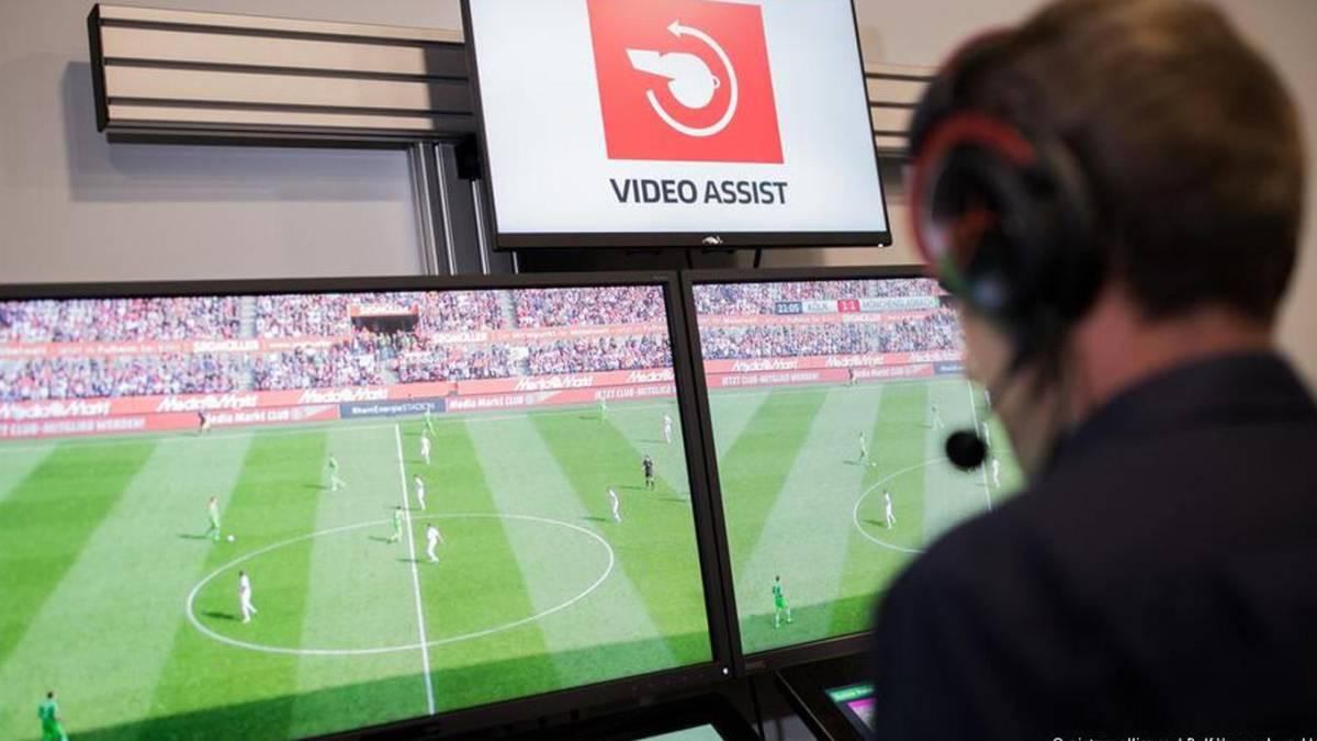 La IFAB refrenda el VAR y da otro paso hacia su uso en el Mundial