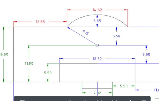 ¿Cuánto mide la circunferencia del círculo central? ¿Y el arco del área de penal