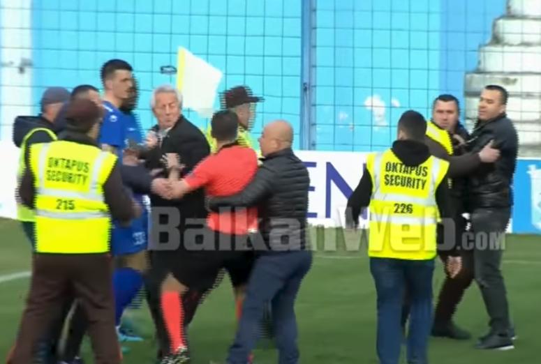 Una salvaje agresión en la Superliga lleva a la huelga a los árbitros de Albania