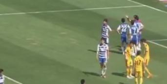 Destroza el punto de penalti para que el rival falle... y lo consigue